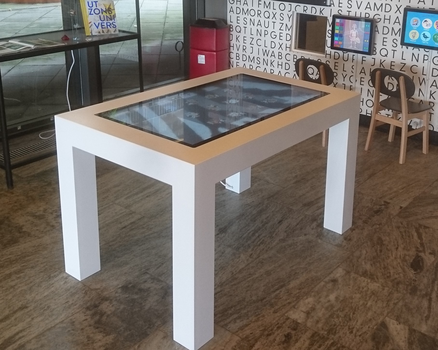 Educate play table